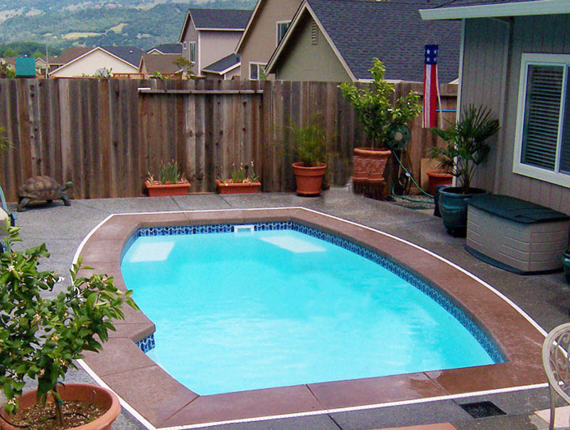 Outdoor Living Space On A Budget Backyards